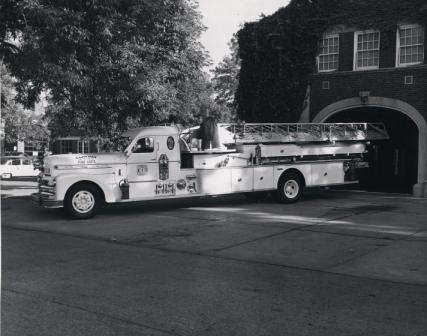 MO Clayton 1956 Seagrave 900-AB K-800 1000-200-85-foot